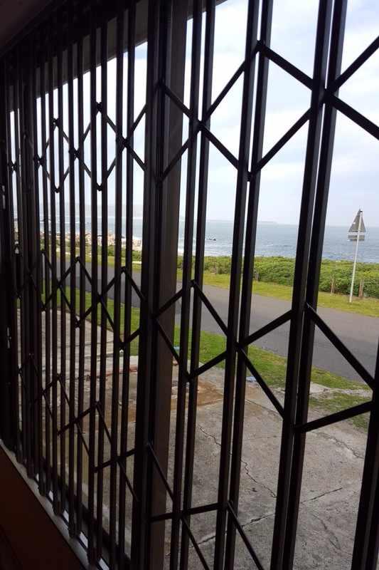 Retractable security gates sequre western cape